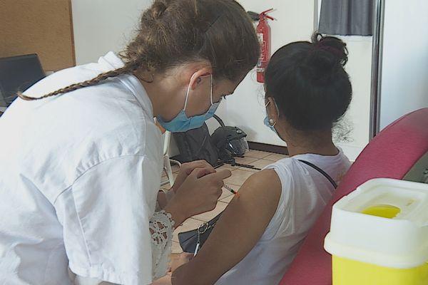 Covid-19 : l'augmentation des nouveaux cas d'infection se confirme