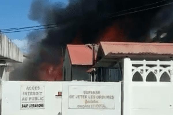 Incendie ancien hôpital Capesterre Belle-Eau