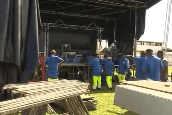 Préparatifs du concert de Booba au stade Georges Chaumet