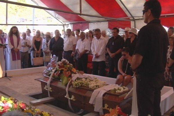 inhumation Maco Tevane