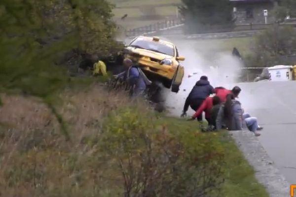 Rallye : accident impressionnant et bilan miraculeux en Italie