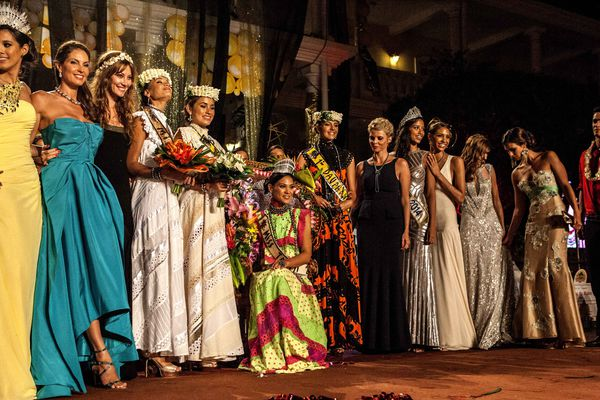 Les 7 Miss France et le podium Miss Tahiti 2014