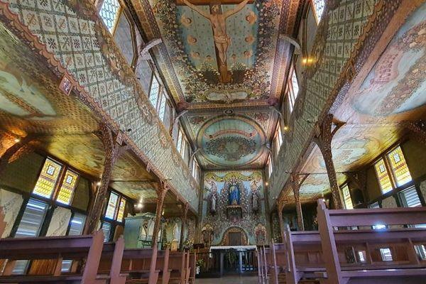 L'intérieur de l'église d'Iracoubo