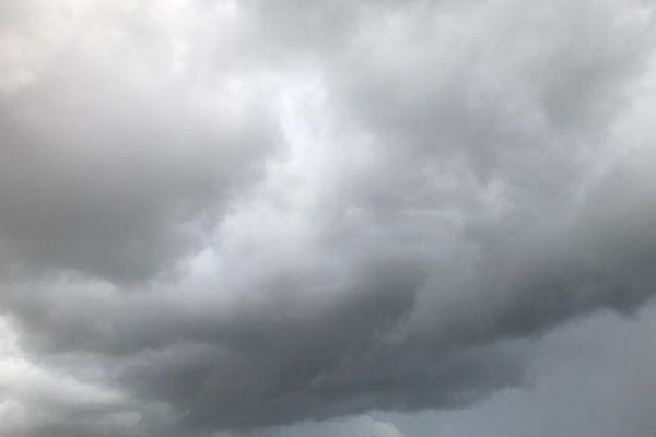 Pluie / nuages / météo