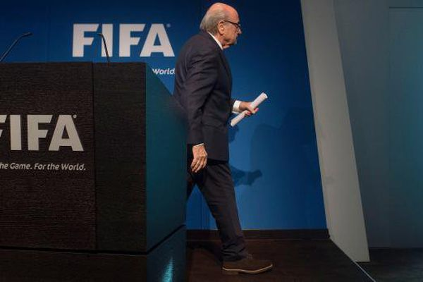 Fifa : 5 jours après sa réélection, Blatter démissionne