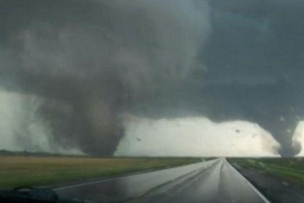 Rencontre entre deux tornades dans le Nebraska