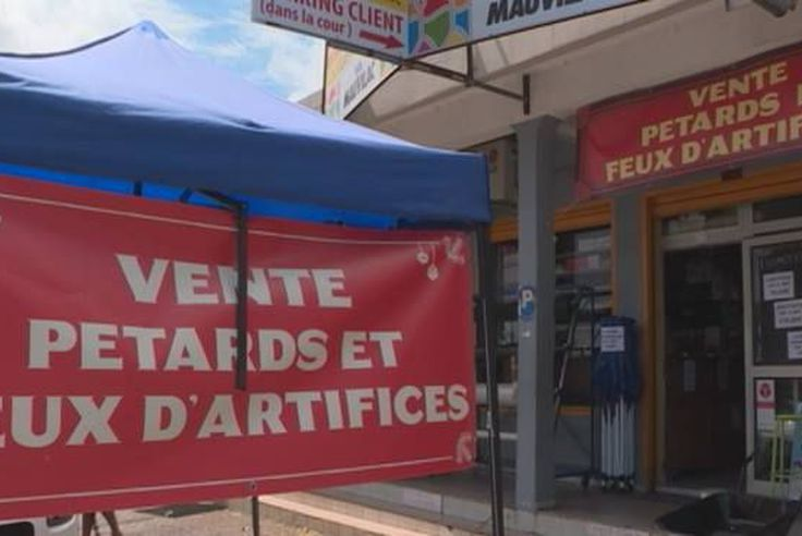 Petards Et Feux D Artifices Vers La Rupture De Stock Reunion La 1ere