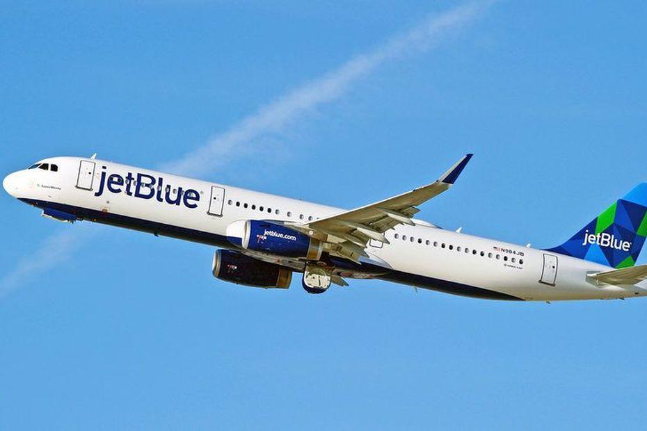 Un ciel inégal pour les compagnies d'aviation : Le retour de Jet Blue et l'héritage de la LIAT - Guadeloupe la 1ère