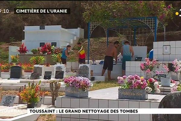 Coup de jeune sur les cimetières à l'approche de la Toussaint