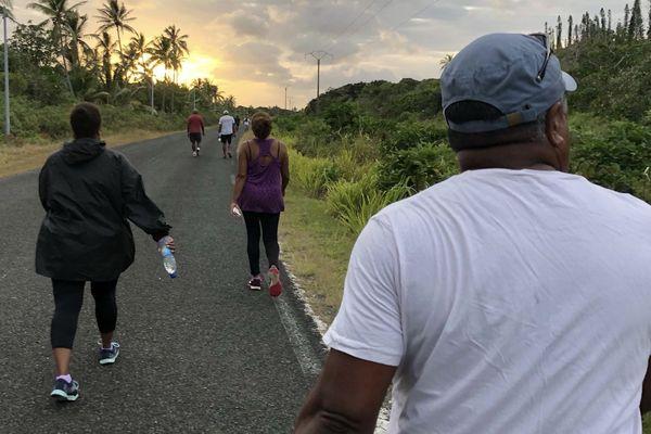 Lifou : une marche pour la santé