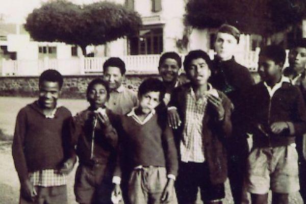 Enfants exilés de La Réunion à Quézac dans le Cantal