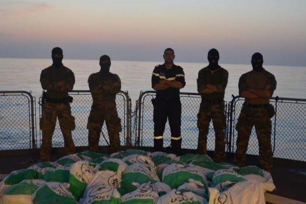 Saisie de 670 kg d'héroïne dans l'Océan Indien par la Marine française