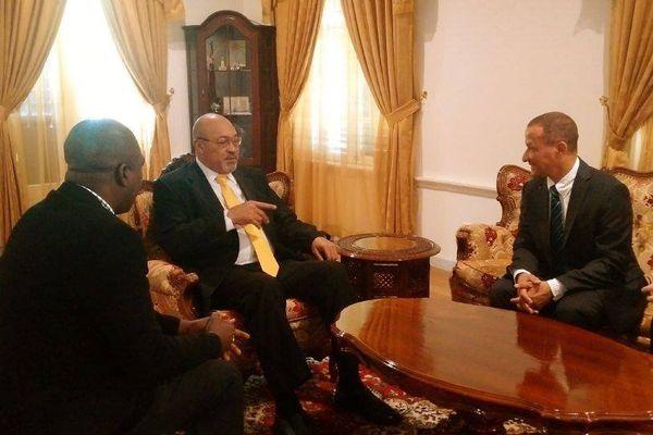 Rodolphe Alexandre et le président du Suriname Desi Bouterse