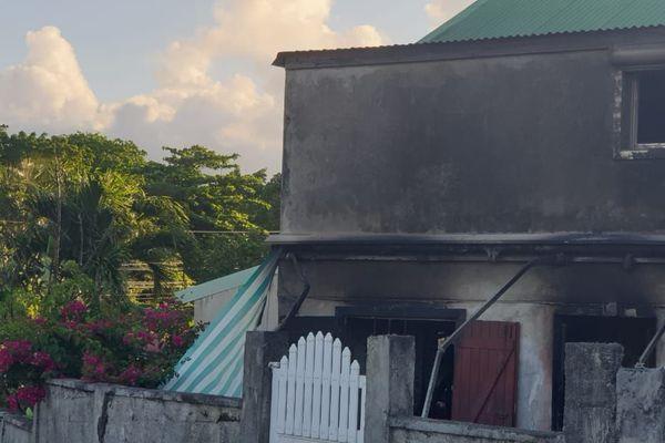 Incendie à Petit Bourg 2