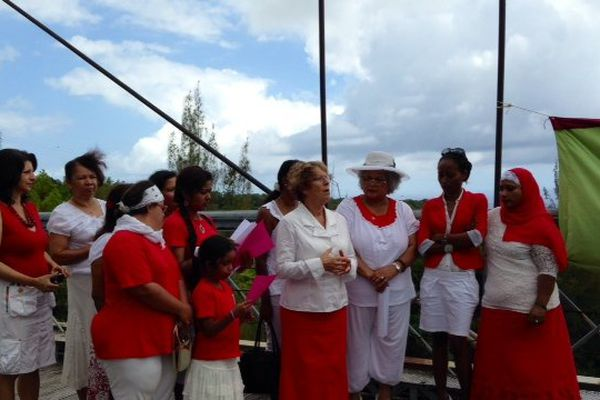 Manif violence femmes à Sainte Rose