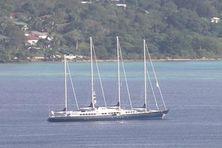 Le Phocéa, ex Club Méditerranée, à l'époque dans les eaux du Vanuatu.