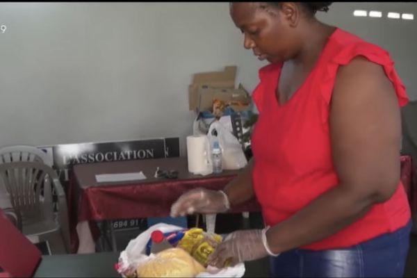 Coronavirus : l'association Ala Wie Na Wan joue la carte de la solidarité au quartier Saint-Pierre à Matoury