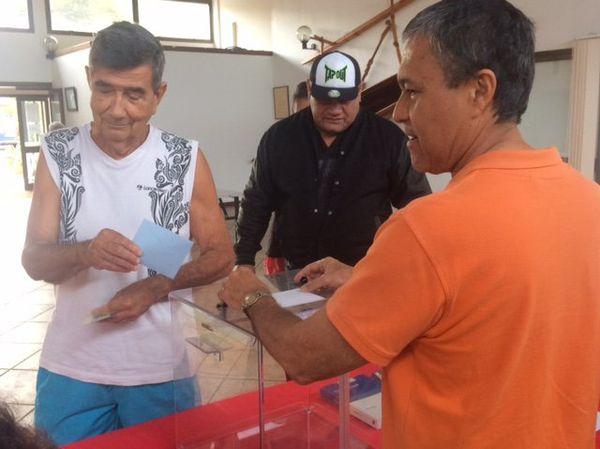 Vote deuxième second tour élections législatives mairie Mont-Dore (18 juin 2017)