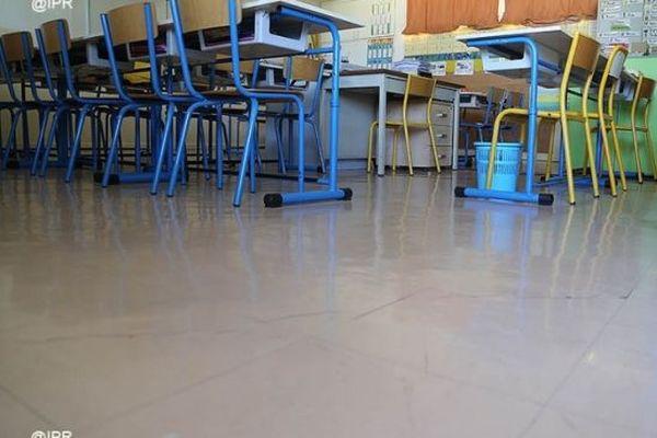 Salle de classe école Jean Jaurès La Possession