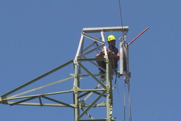 Installation d'un câble électrique