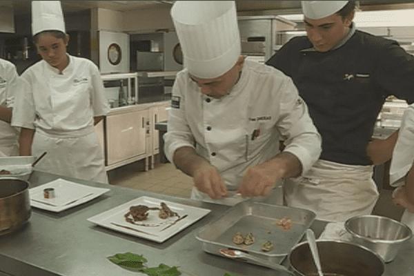 La recette du pigeon/ élèves lycée hôtelier / cuisine