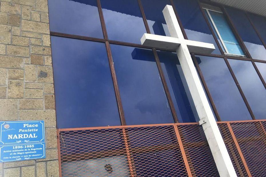 """""""Non, il n'y a pas eu d'agression"""" à la chapelle Christ Roi de Fort-de-France [Père Michel Zecler] - Martinique la 1ère"""