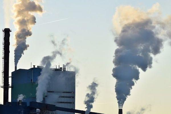 Réchauffement climatique usine fumées