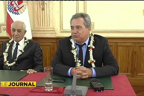 Deux ministres doivent patienter avant d'endosser leurs fonctions