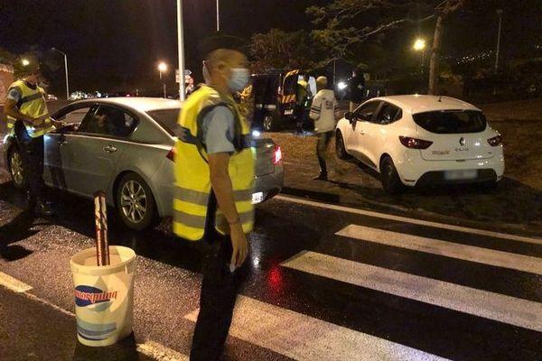securité routière controle gendarmerie police rond point Gillot Sainte-Marie nuit 121220