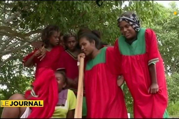 Le cricket, sport roi des jeunes mélanésiennes