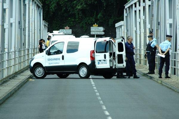 Reconstitution meurtre pont Rivière des Galets