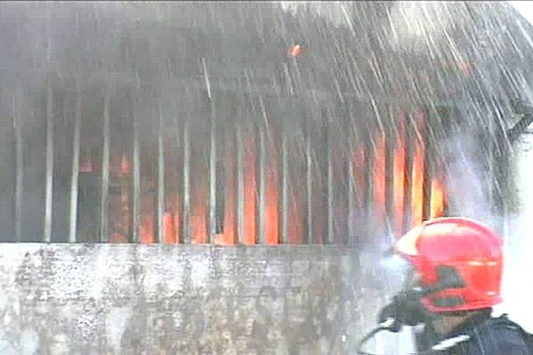 Incendie d'une case à Saint-Pierre