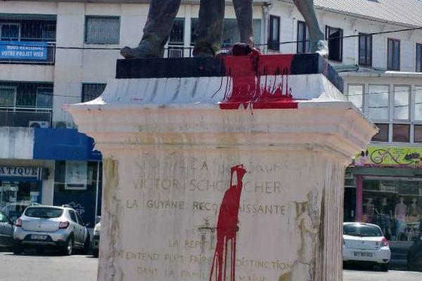 https://la1ere.francetvinfo.fr/statues-schoelcher-brisees-martinique-reflexion-deux-specialistes-esclavage-838076.html