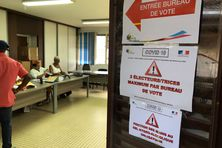 Bureau de vote à Kourou