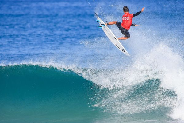Kauli Vaast, leader du classement junior européen en surf