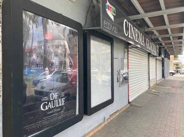 Les cinémas toujours fermés