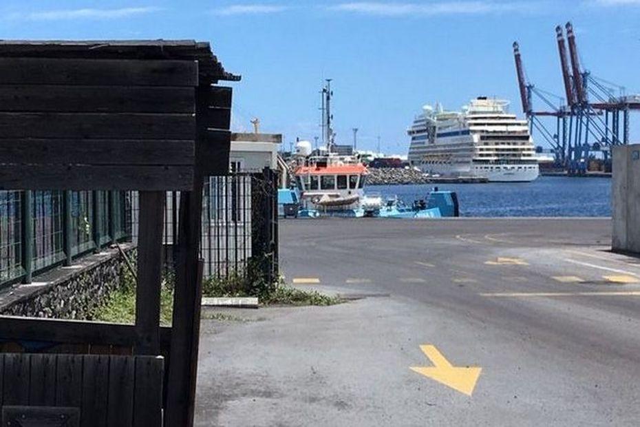 L'AidaBlu a accosté, ce jeudi à 6h43, au Port Est - Réunion la 1ère
