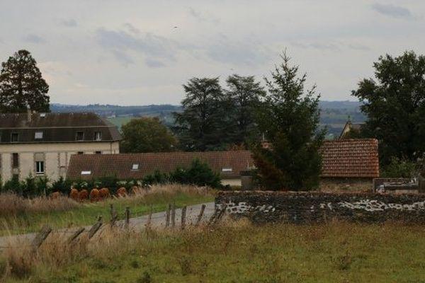 Vue de Quézac dans le Cantal