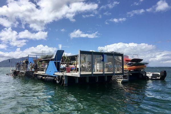 Le ponton et son restaurant flottant, 18 avril 2021