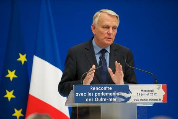 rencontre Ayrault et parlemantaires d'outre-mer