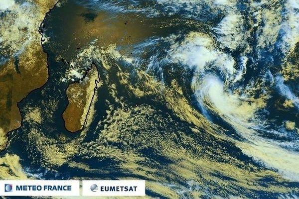 saison cyclonique carte océan indien 161120