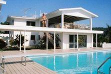 La piscine à Air Studios pendant les années 80.