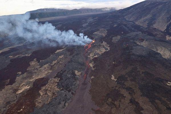 Eruption du Piton de la Fournaise, samedi 10 avril 2021.