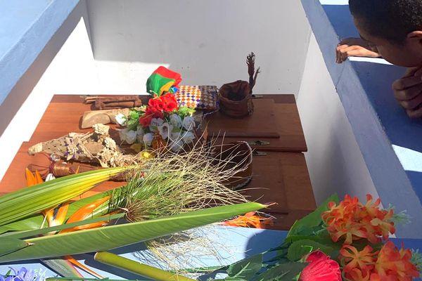 Les cercueils d'Ataï et son dao ont été placés dans leur caveau, le 1er septembre 2021, au lieu-dit Wereha.