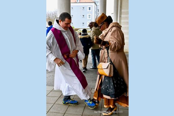 curé foot shake