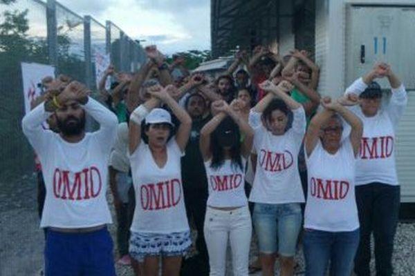 Rassemblement à Nauru pour le réfugié Omid Masoumali.
