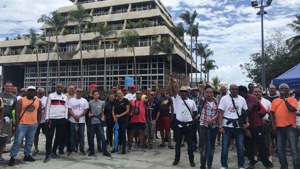 Citalis les grévistes devant la mairie de Saint-Denis 231219