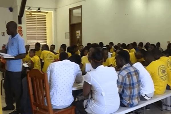 La maison de quartier de Brutus transformée en école pour les migrants