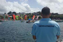 La gendarmerie sécurise le tour de Martinique en yoles rondes