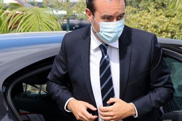 Le ministre des Outre-mer, Sébastien Lecornu, en visite à La Réunion.